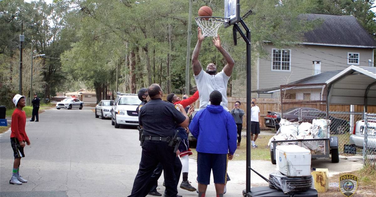 Shaq Surprises Florida Cop for Pickup Game With Kids After Viral Hoops Video