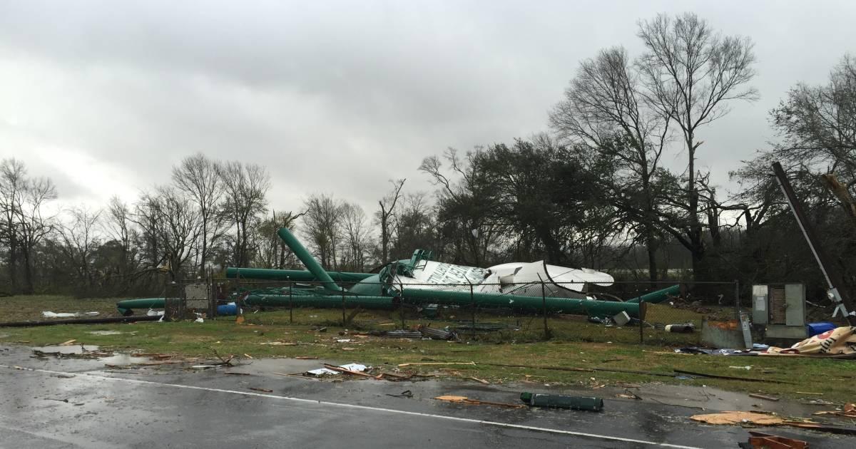 Southeast Tornadoes Storms Kill Three Head For Atlantic
