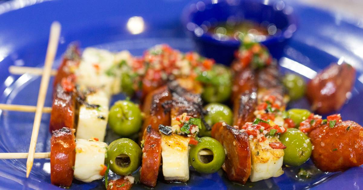 Easy shrimp and chorizo skewers for your next picnic