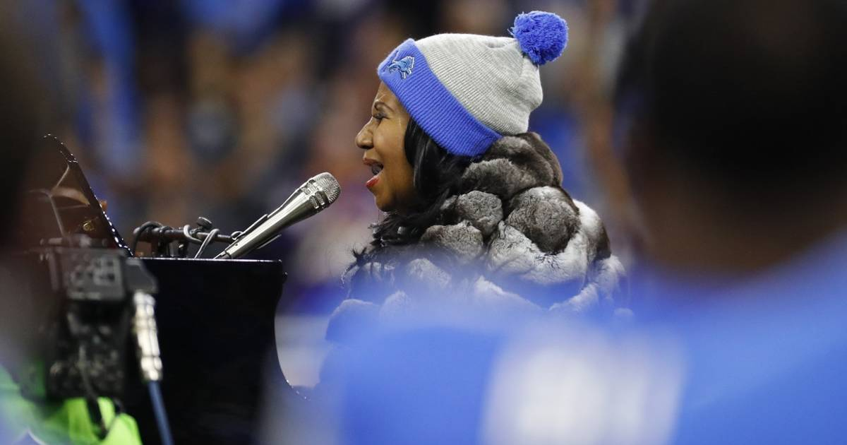 Delay of Game? Aretha Franklin's 4-Minute, 35-Second National Anthem Transfixes America