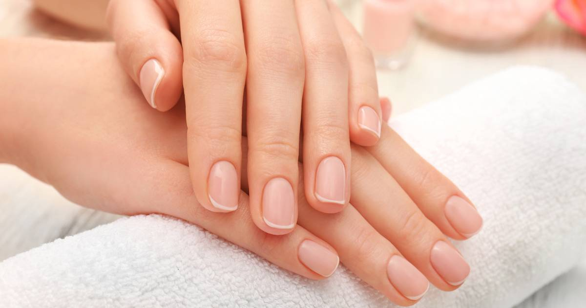 7 Nail Symptoms Explained Signs You Shouldnt Ignore