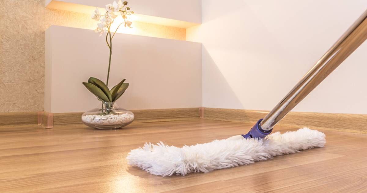The 3 Things Mistakes Youre Making When Mopping The Floor And How