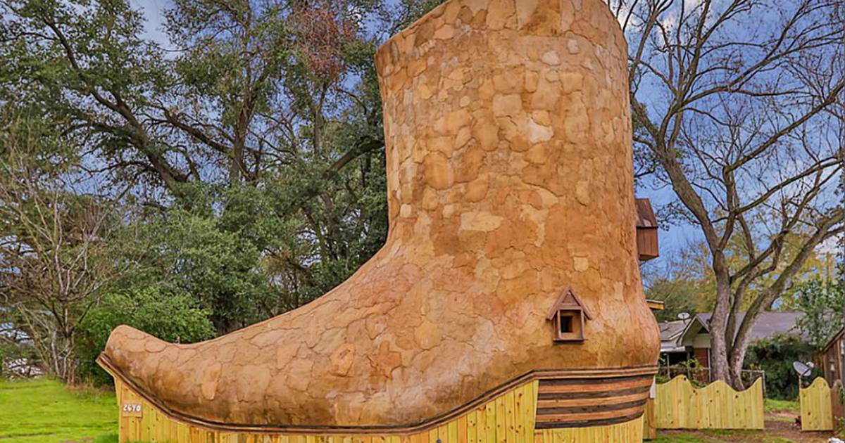 Cowboy Boot House For Rent