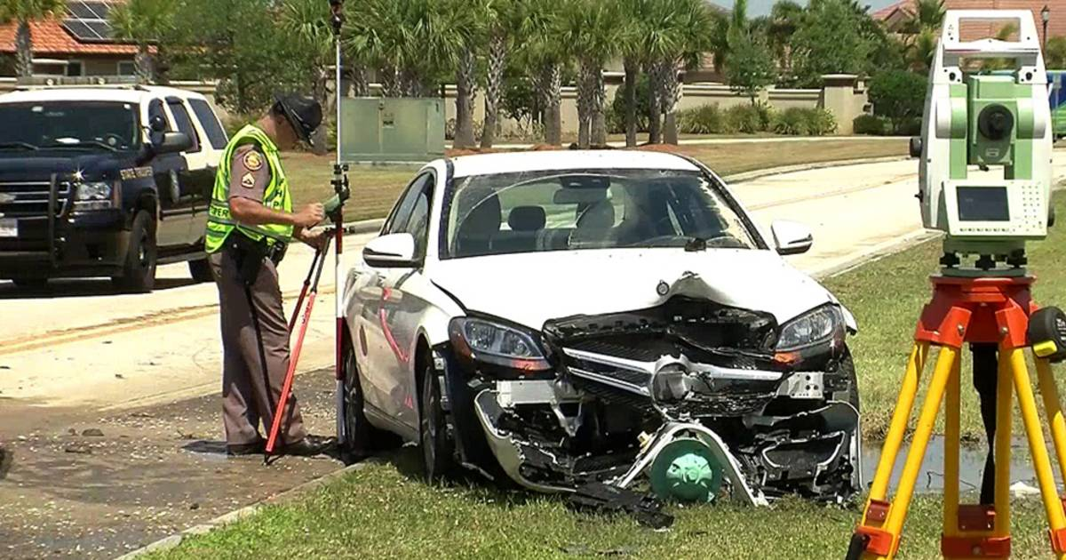 Florida Man Crashes Into Fire Hydrant and Drowns on 89th Birthday