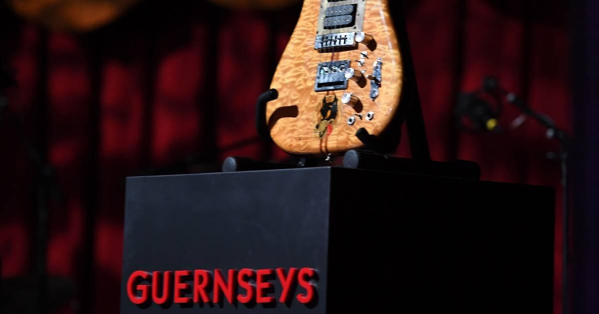 jerry garcia 39 s guitar fetches 1 9 million at auction. Black Bedroom Furniture Sets. Home Design Ideas