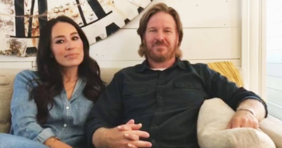 chip and joanna gaines on why they 39 re ending 39 fixer upper 39. Black Bedroom Furniture Sets. Home Design Ideas