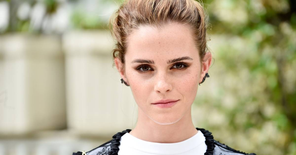 Emma Watson Hair Style: Emma Watson Debuts New Bangs In Instagram Photo