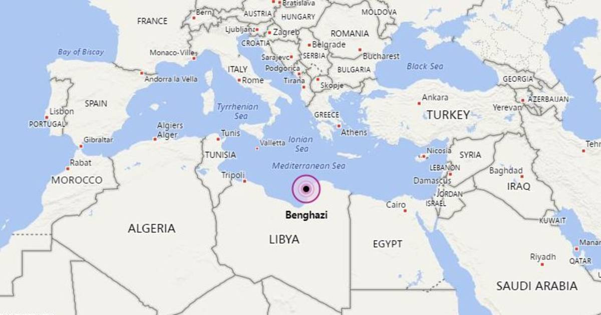 Twin car bombs kill at least 27 in Benghazi