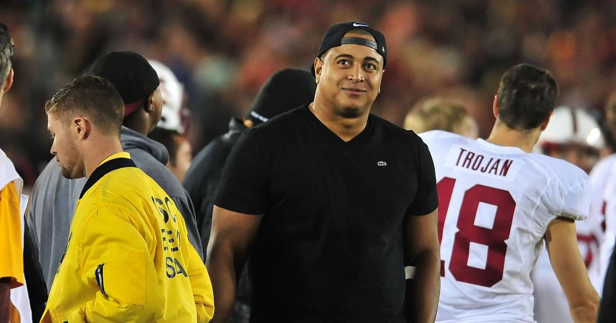 Former Nfl Player Jonathan Martin Hospitalized Following Perceived Instagram Threat