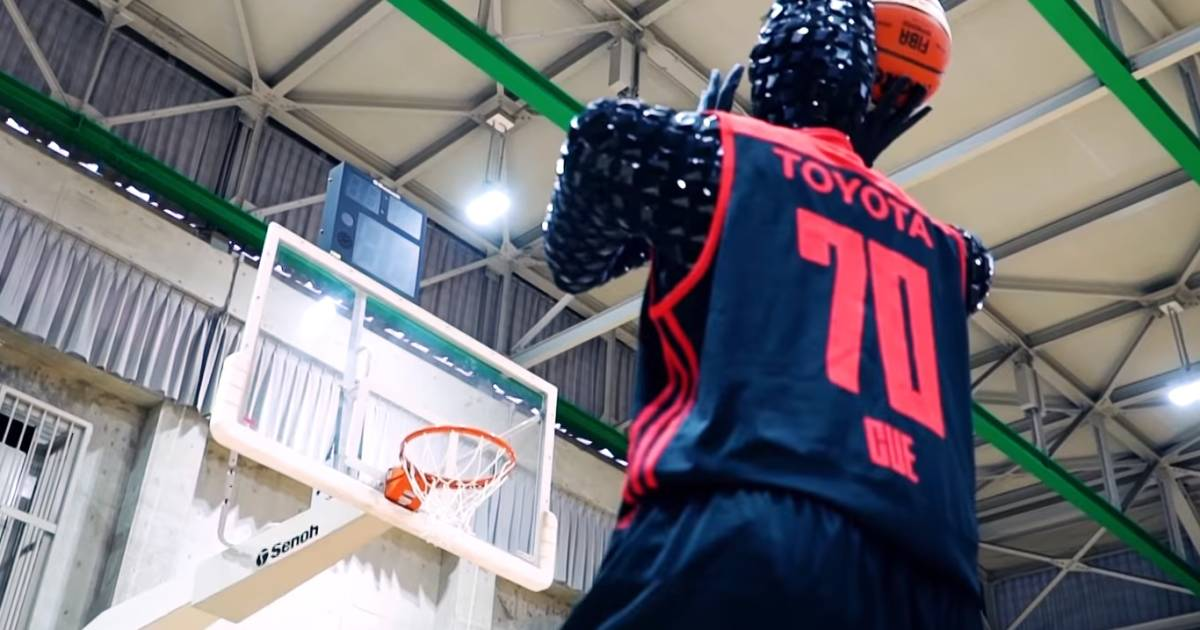 This basketball-playing robot is so good it could outshoot Steph Curry