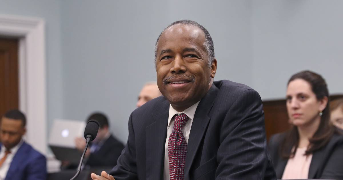 Ben Carson moves to roll back Obama-era fair housing rule