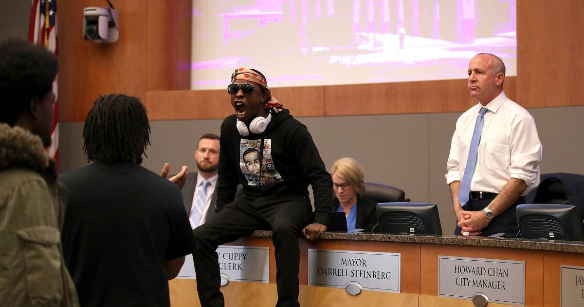 Stephon Clark's brother disrupts council meeting to air ...