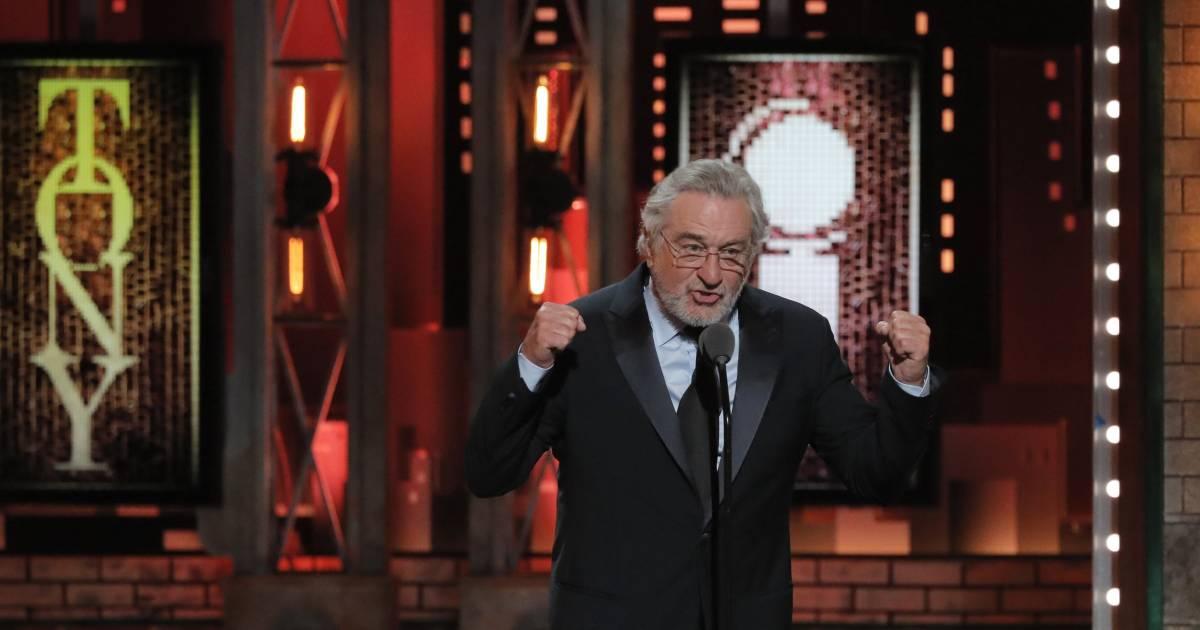 Robert De Niro drops t...