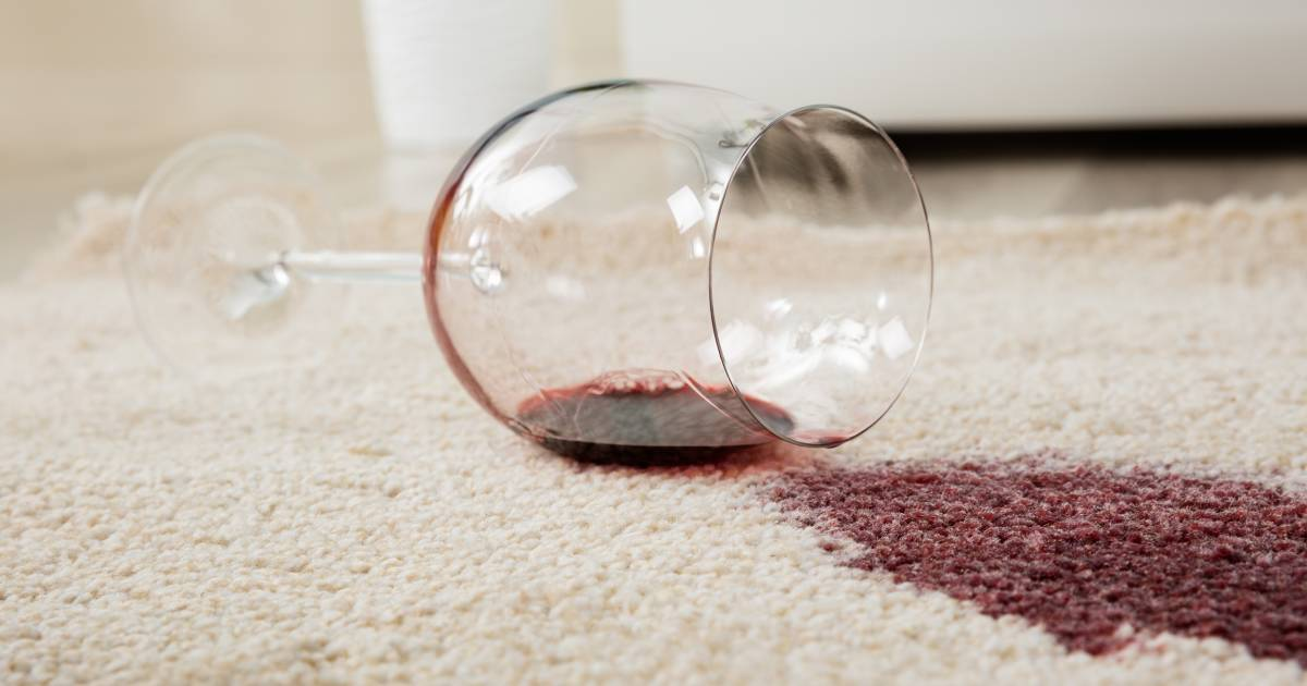 how to get out set in coffee stains from carpet