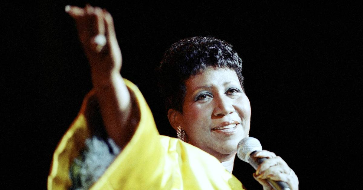 Aretha Franklin, the Queen of Soul, dies at 76, family confirms
