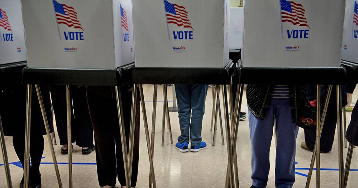 NBC/WSJ Poll: Democrats hold nine-point advantage for midterm elections