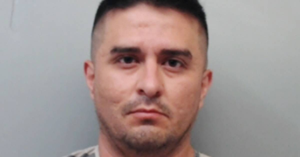 Border Patrol agent accused of serial killings wanted to 'commit suicide by cop,' officials say thumbnail