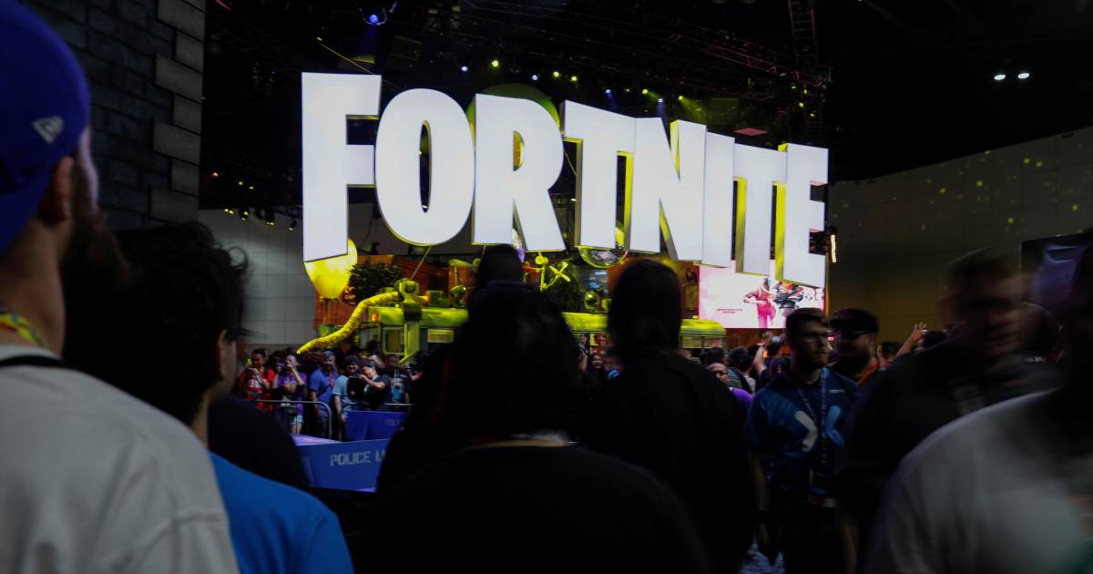 'Fortnite' craze pushes some parents to hire tutors — for kids and themselves