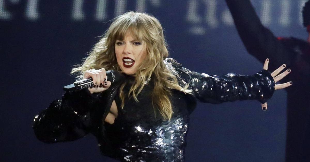Taylor Swift breaks political silence, endorses two ...