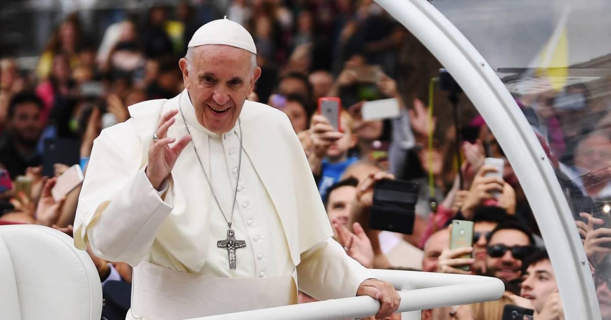 North Korea wants to 'ardently welcome' Pope Francis, South Korea says