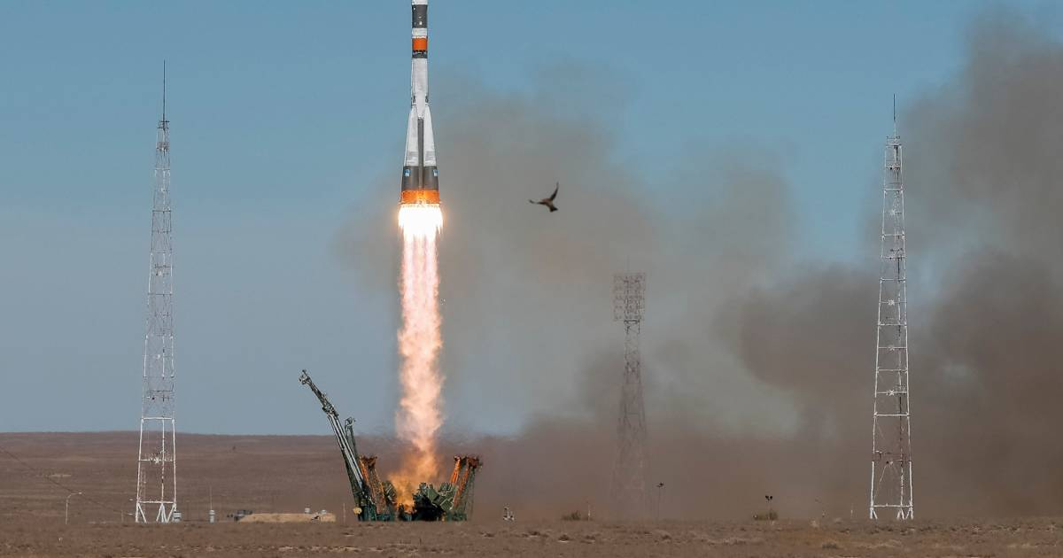 U.S., Russian astronauts make emergency landing after rocket fails on takeoff