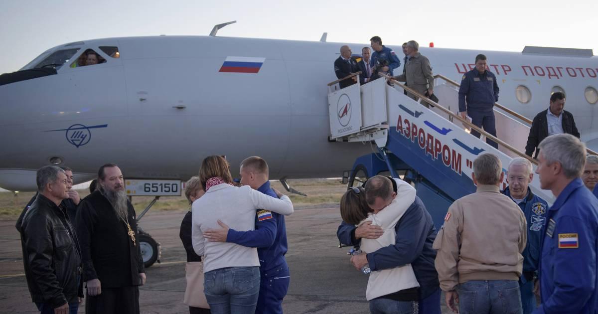 U.S., Russian astronauts make emergency landing after rocket fails on takeoff