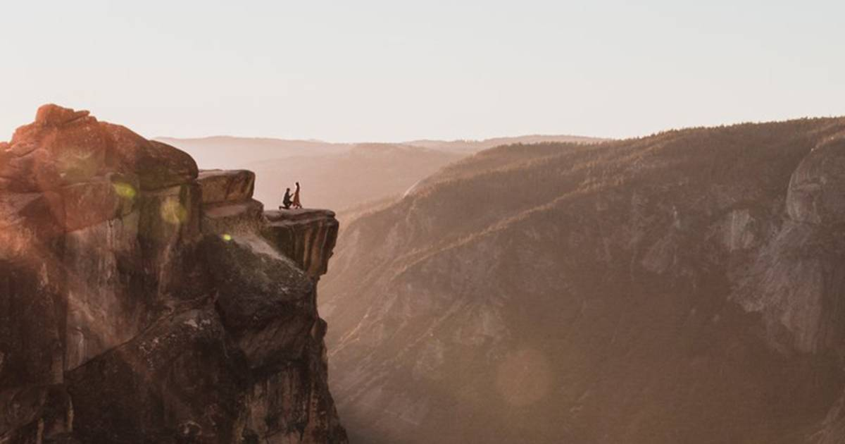 Photographer 'elated' to finally find couple in viral Yosemite proposal photo