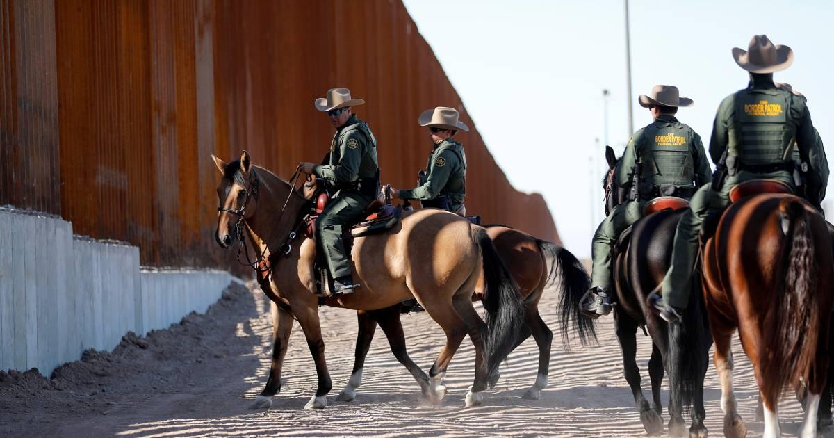 Honduran migrants sue Trump administration over proposed border policies
