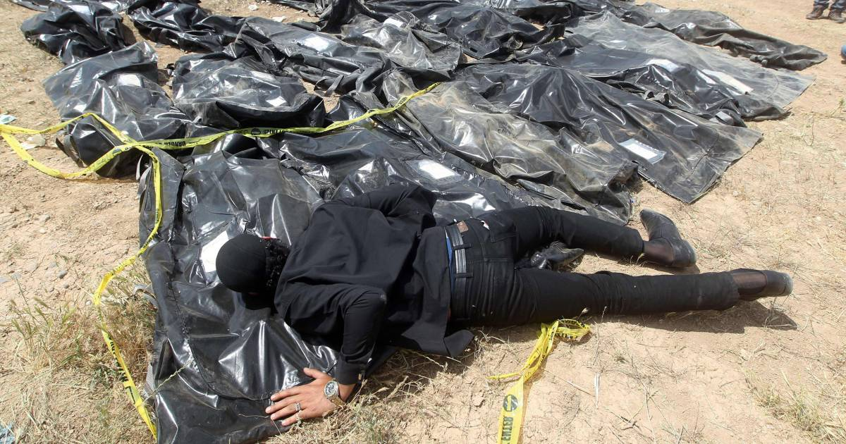 ISIS dumped up to 12,000 people in mass graves, U.N. says