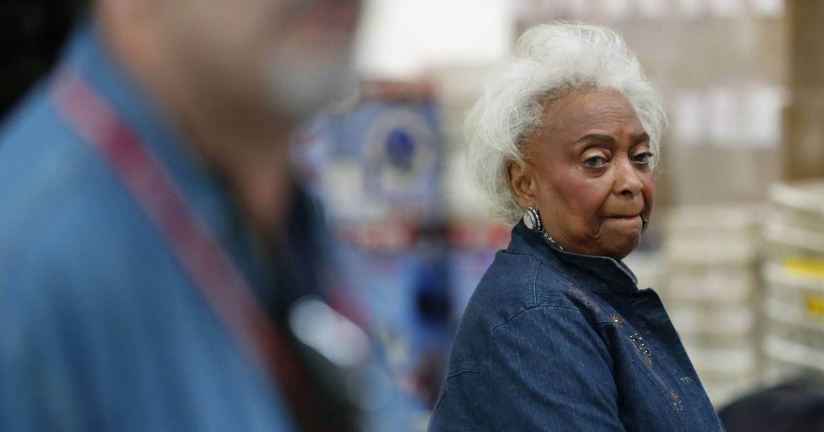 Embattled Florida election official Brenda Snipes rescinds resignation