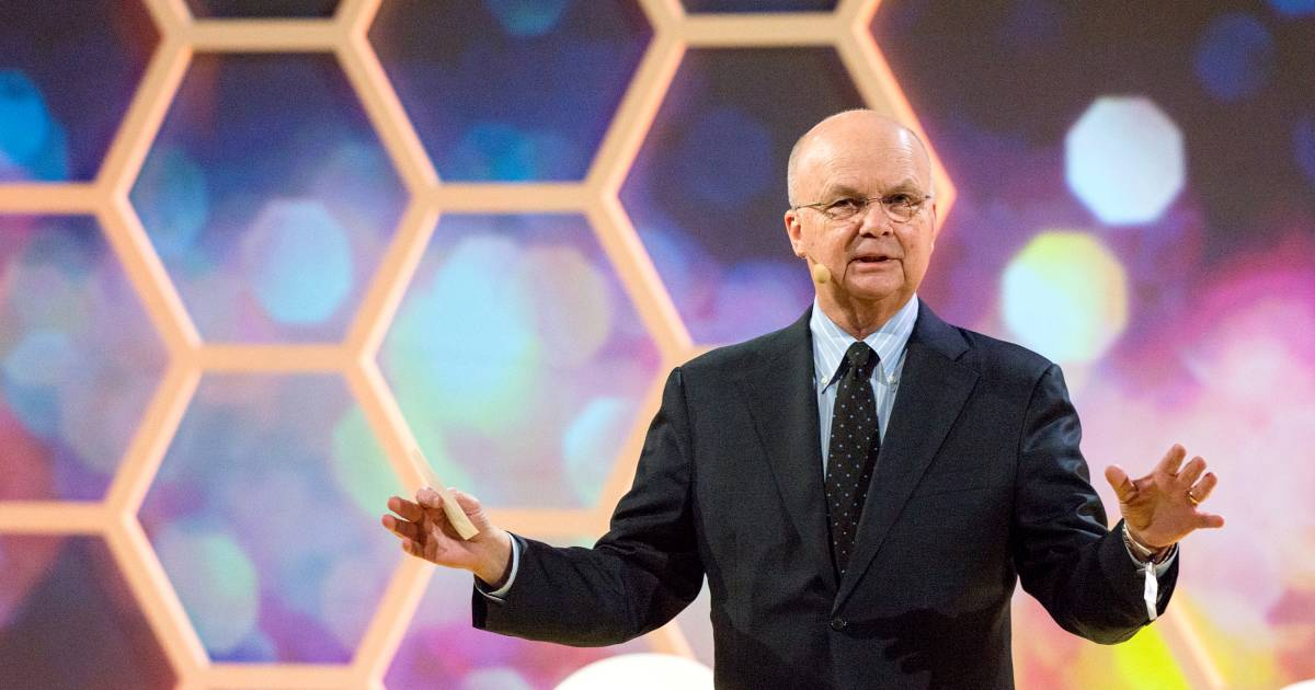 former cia nsa director michael hayden hospitalized after suffering