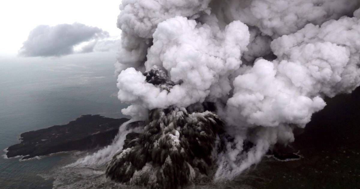 indonesia s anak krakatau volcano that triggered deadly tsunami now