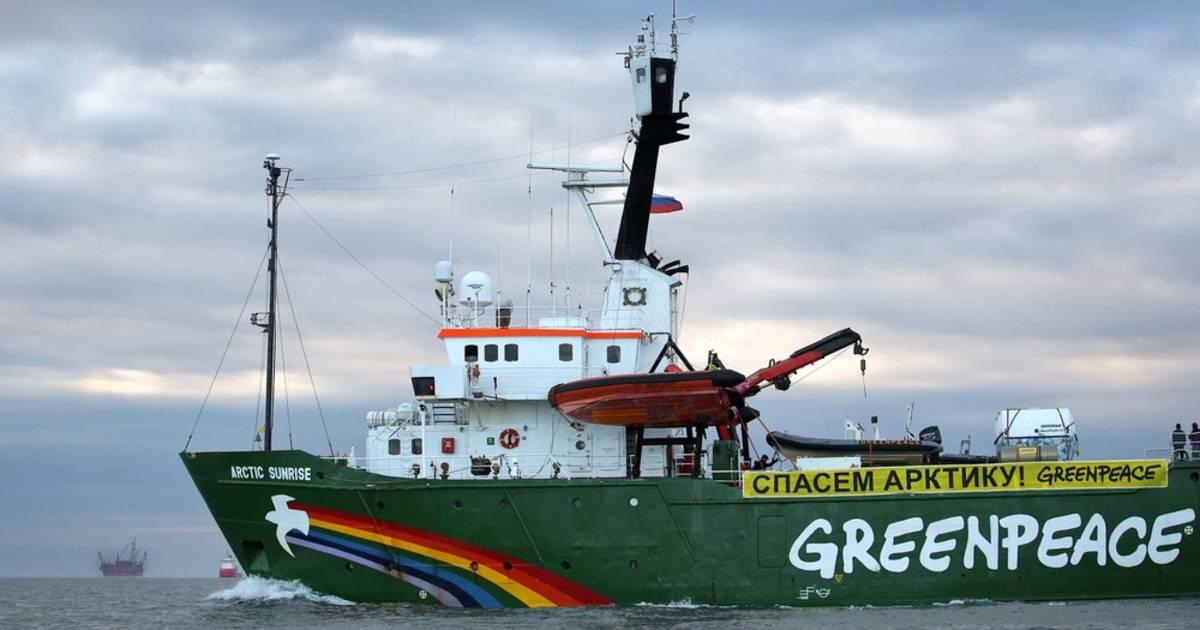 Gazprom's oil platform seized by Greenpeace activists 24.08.2012 83