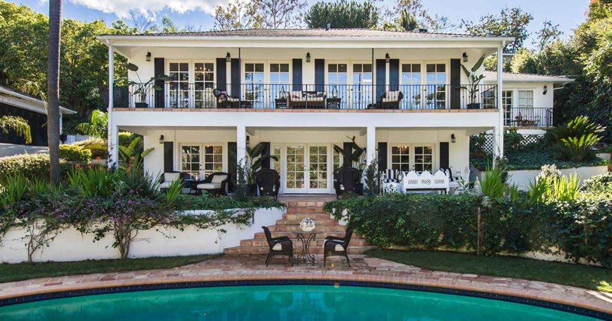 Sold: Faye Resnicku0027s Dramatically Decorated Home In Hollywood Hills
