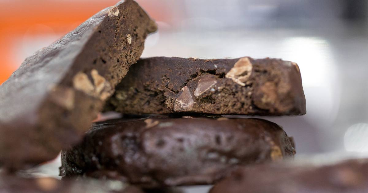 3 decadent chocolate desserts that can be made vegan, gluten-free and healthier