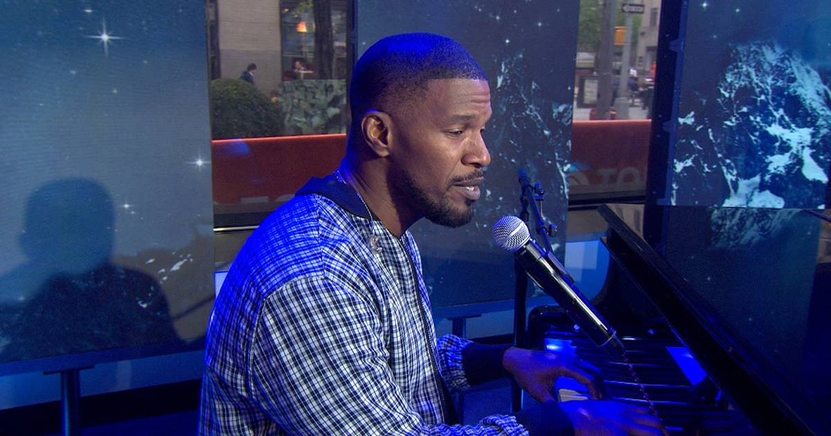 Jamie Foxx performs 'In Love By Now' on TODAY
