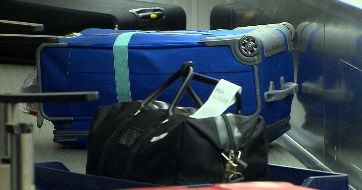 American Airlines unveils new baggage-tracking feature