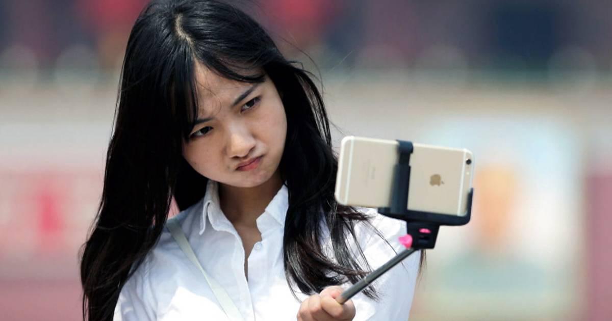 Selfie sticks, athliesure and other top trends of 2015