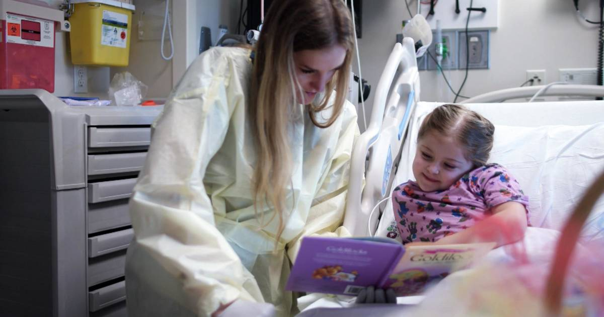 After battling leukemia, this woman returned to the same hospital as a nurse