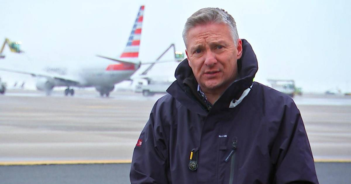 Behind the scenes of a busy airport on Thanksgiving weekend