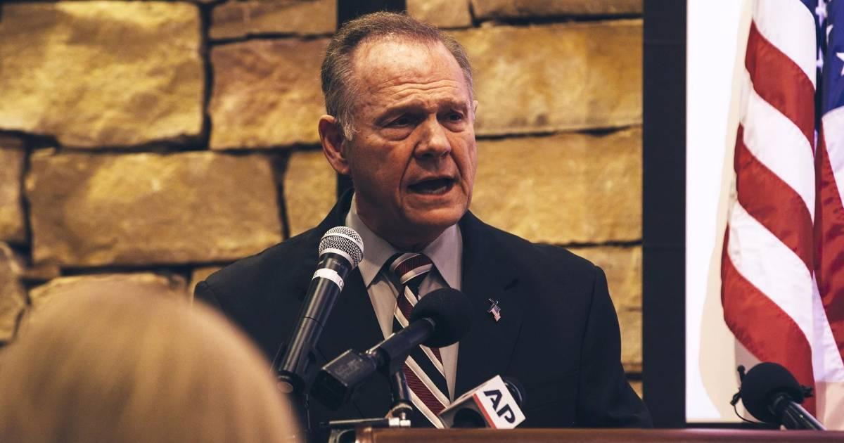 Alabama Senate candidate Roy Moore blasts damaging article as 'fake news'