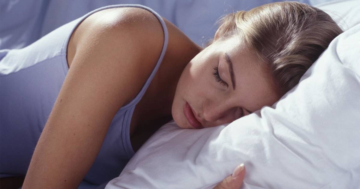 Getting extra sleep on your days off is good for your health, study says