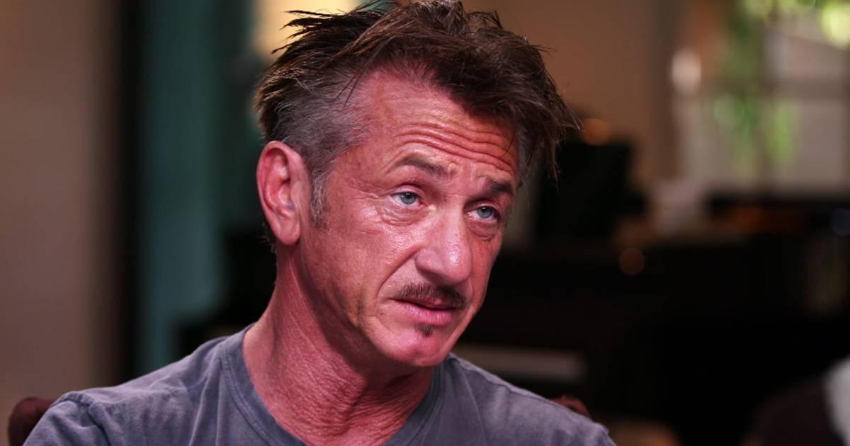 Sean Penn tears into Steve Bannon and mocks his physical ...  |Sean Penn