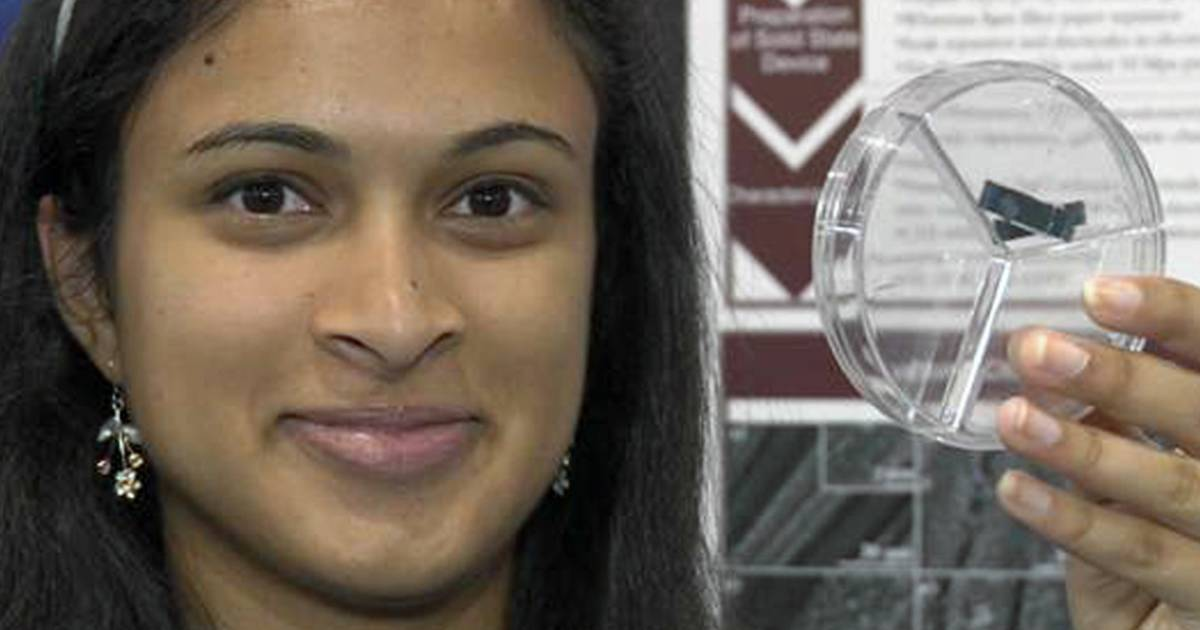 Teen's device charges a phone in 20 seconds
