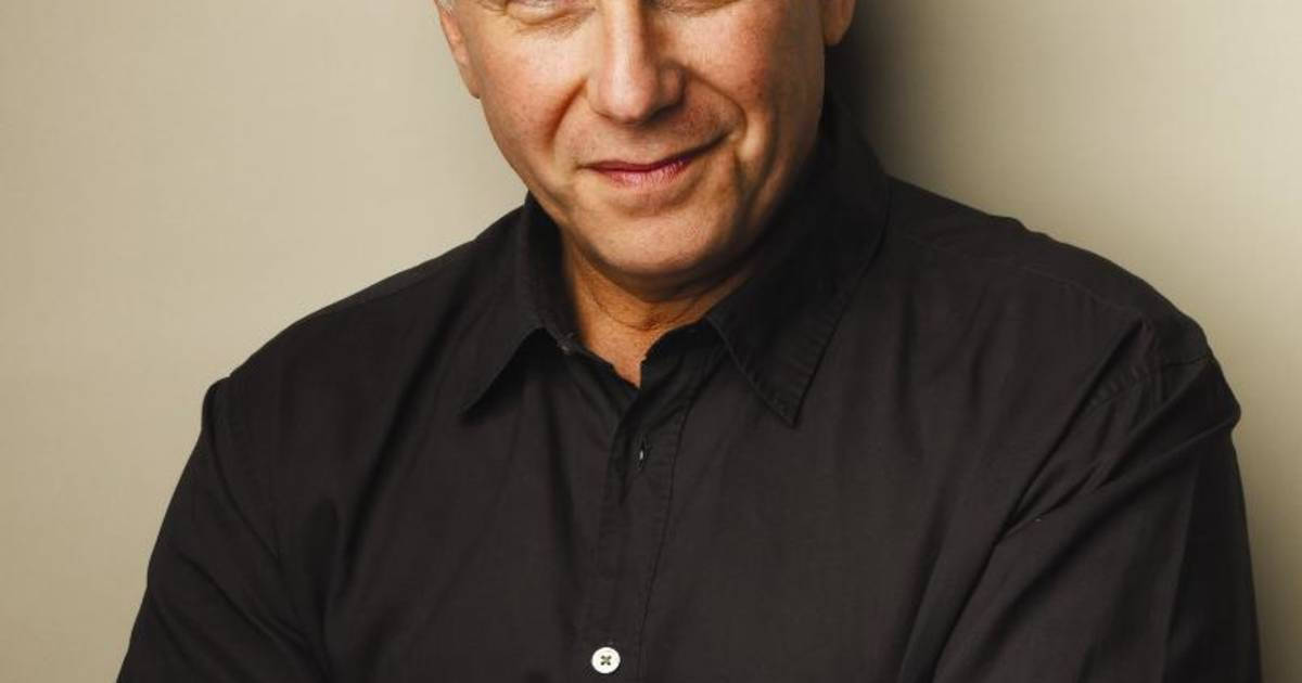 Paul Reiser Turns A Wry Eye On Marriage And Midlife border=