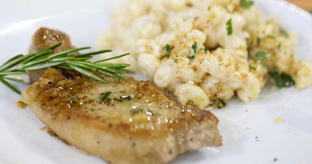 Simple skillet supper: Rosemary pork chops and creamy smoked mac 'n' cheese