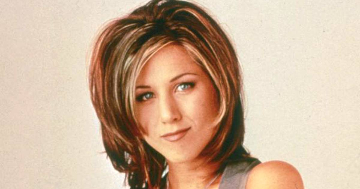 how to style hair like aniston aniston reveals why she hated the haircut 2297