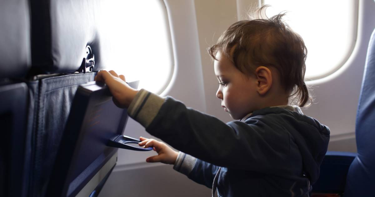 Dad says he was forced to pay $88 to sit next to his 4-year-old on flight