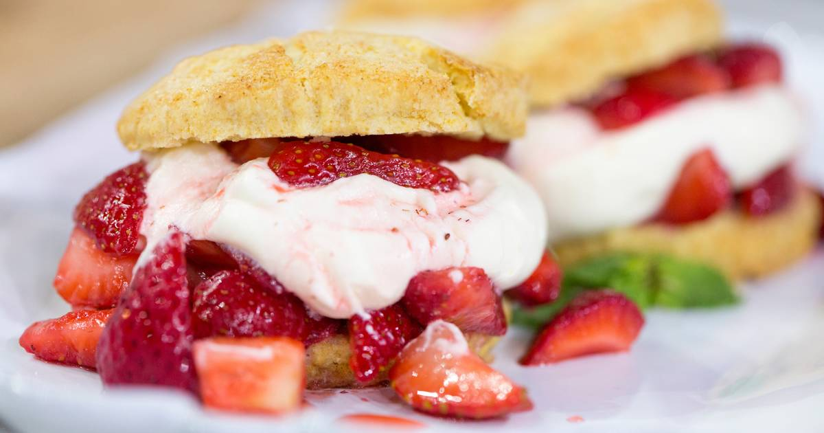 Al Roker makes strawberry shortcakes with homemade whipped cream