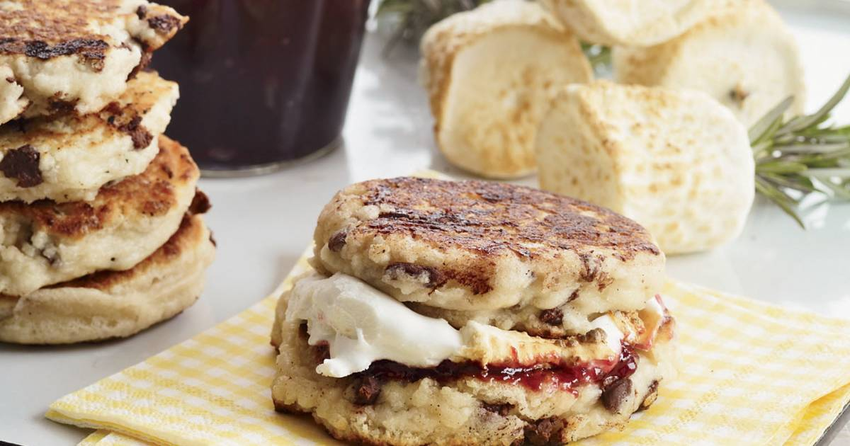 Campfire biscuit s'mores take your s'more experience to the next level